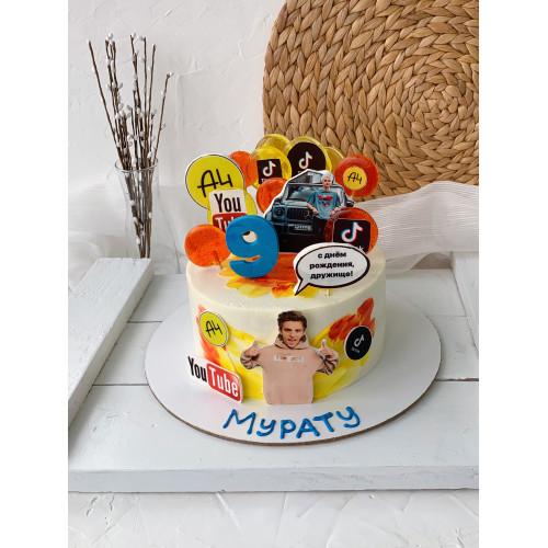 Торт для юного блогера